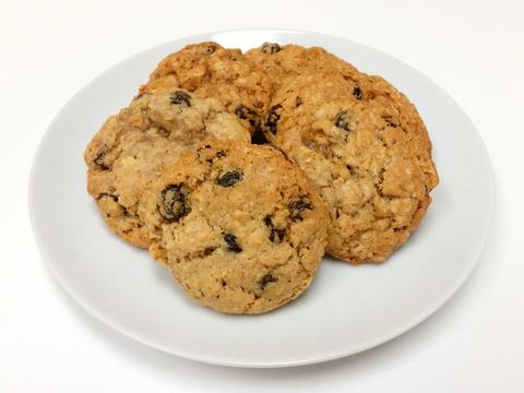 Oatmeal_Raisin_Cookies_Baked_large