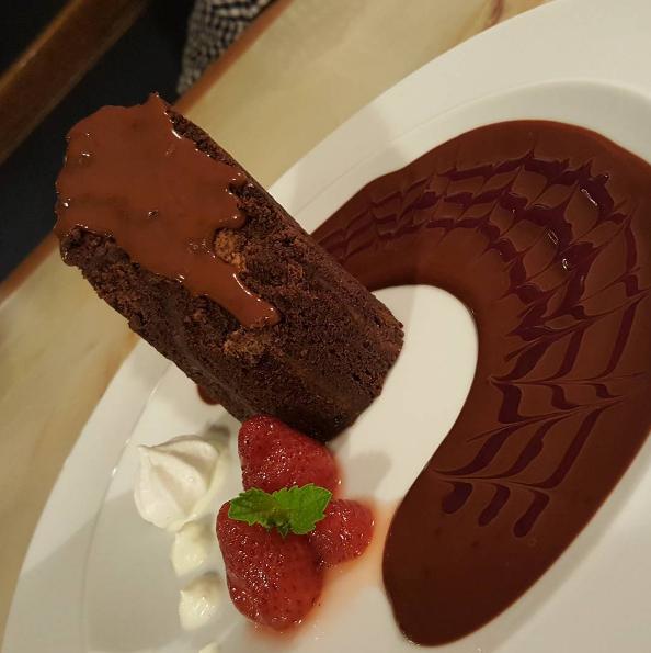 Six-mile-pub-gluten-free-dessert