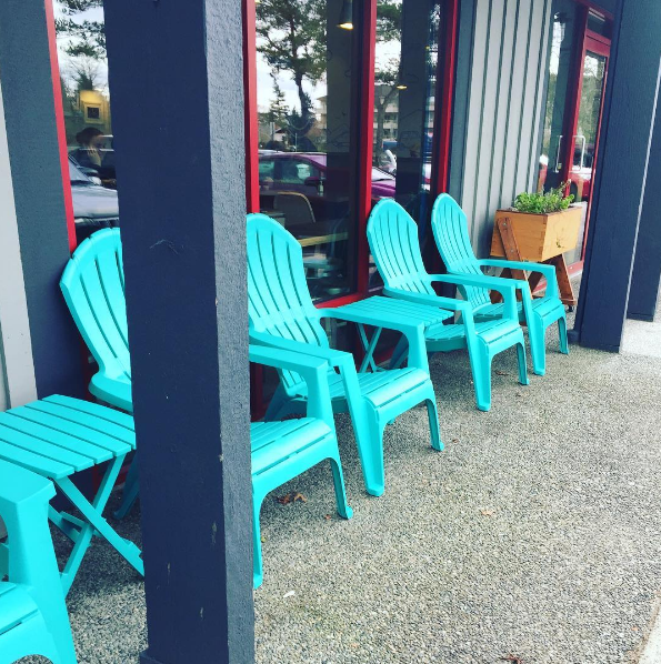Big-Wheel-Burger-Outdoor-Seating