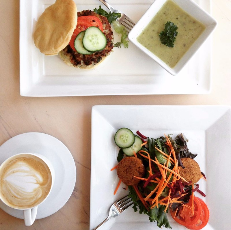 Sante-Gluten-Free-Cafe-Burger