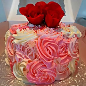 happyditty! valentine cake